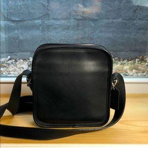 VTG Black Coach Camera Bag leather Crossbody sling
